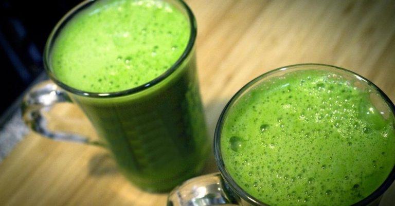 Detoxifying Keto Green Smoothie