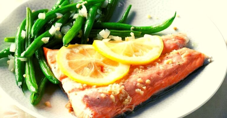Balsamic Salmon with Green Beans