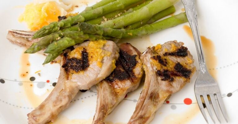Seared Lamb Chops with Asparagus