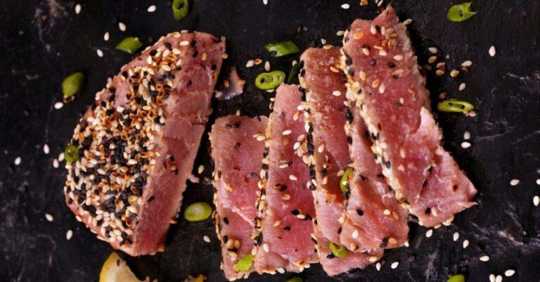 Sesame-Crusted Tuna With Green Beans