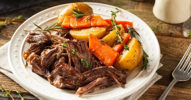 Slow-Cooker Pot Roast with Green Beans